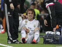 Luka Modric (M.) zog sich einen Bänderriss im rechten Knie zu
