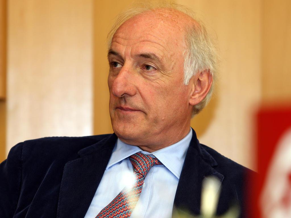 Der Rücktritt von Peter Michael Reichel als LASK-Präsident steht bevor - 95H_2a7fU_l