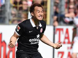 Shinji Okazaki trifft zweimal in Freiburg