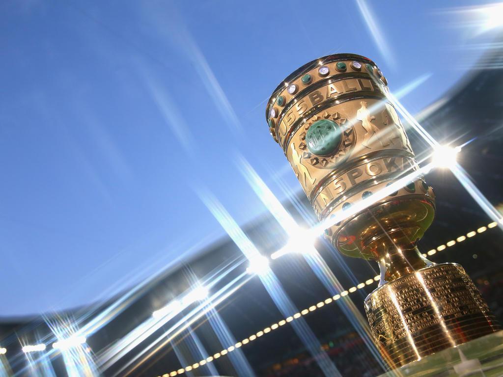 gloryhole berlin wifesharing