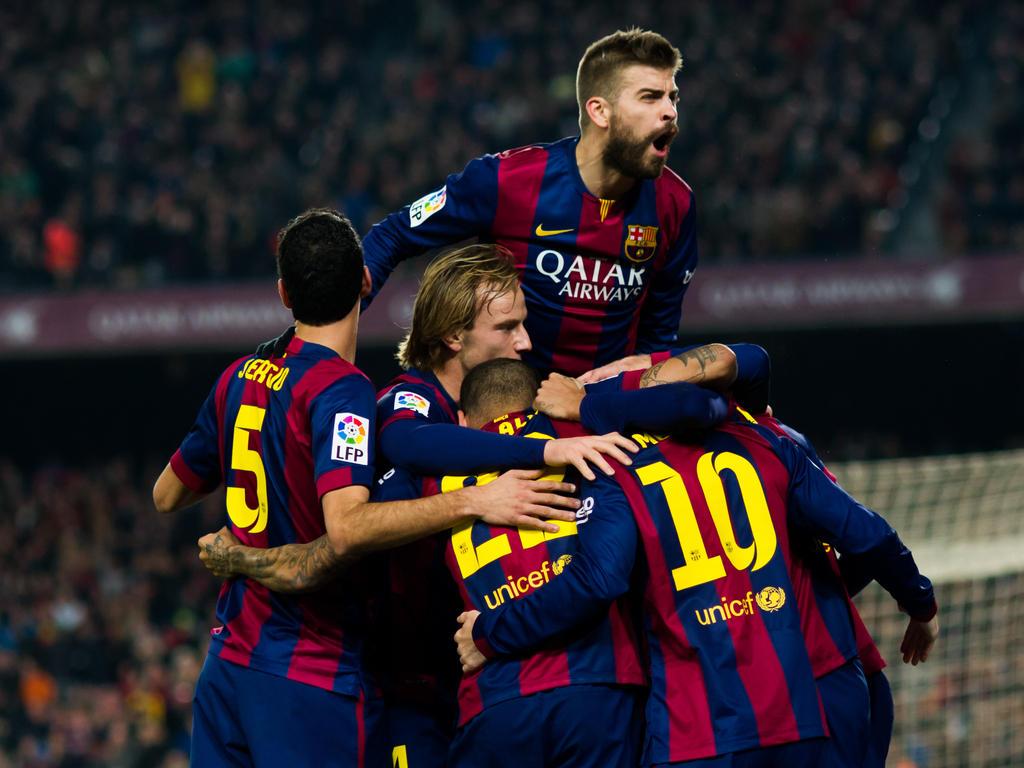 Primera División » News » Messi hat-trick keeps Barca in ...